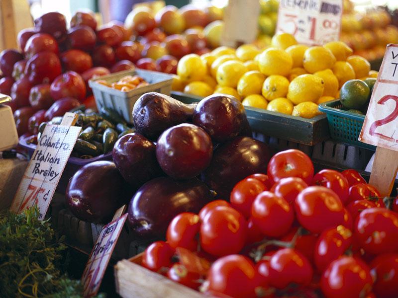 Few U.S. Adults Meet Fruit, Veg Intake Recommendations