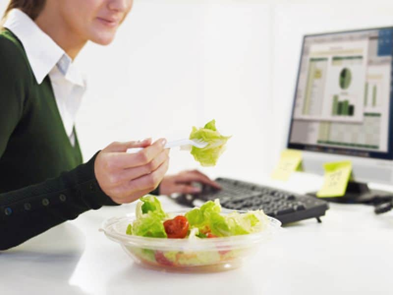 Low-Energy Diet Induces Different Effects in Men, Women