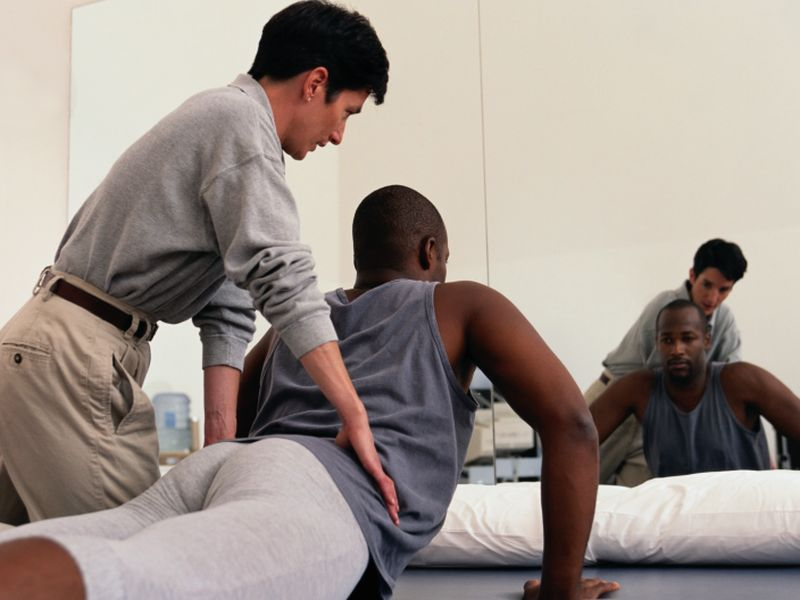 Core Muscle Weakness Increases Spinal Loading, Back Injuries