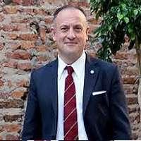 Daniel E. Gomez